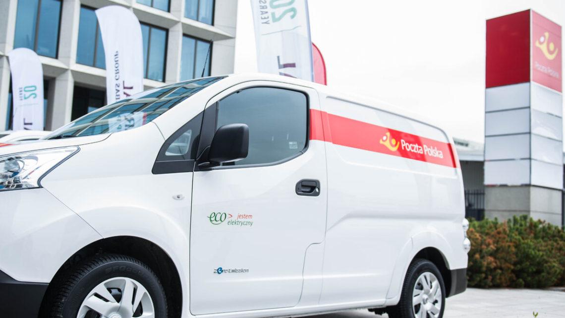 Poczta Polska rozwozić będzie paczki elektrycznymi Nissanami