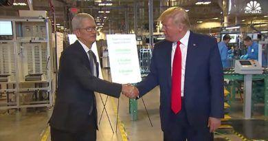 Tim Cook, Donald Trump, fabryka Apple