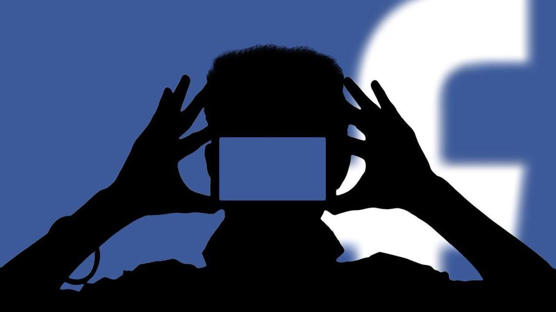 Facebook tworzy własny system operacyjny