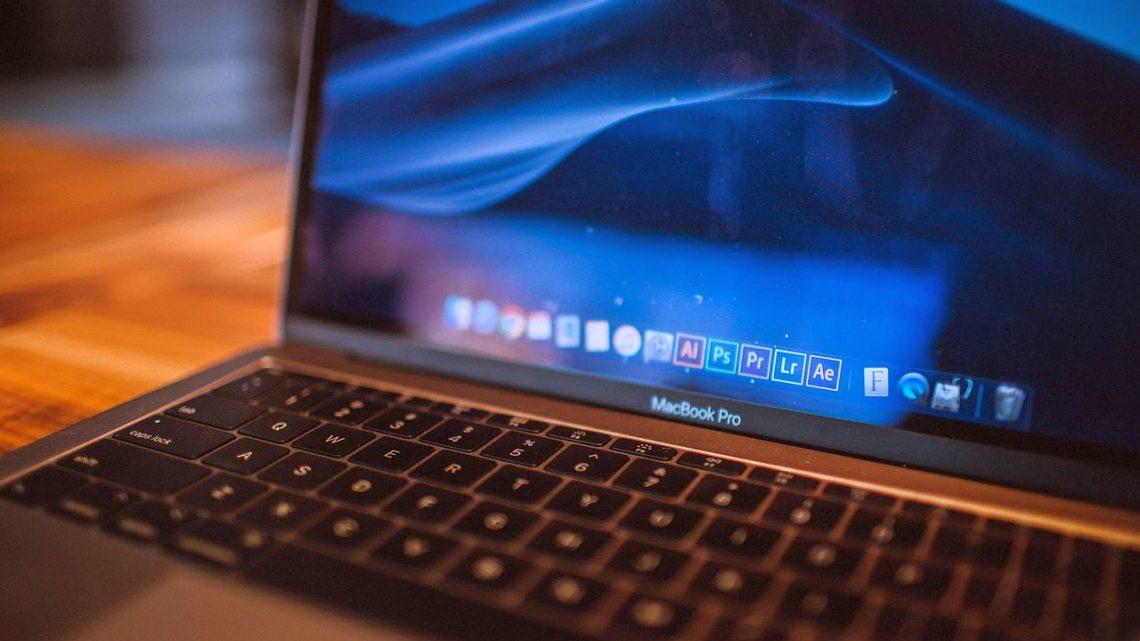 MacBook Pro 13 losowo się wyłącza. Apple podało sposób nanaprawę