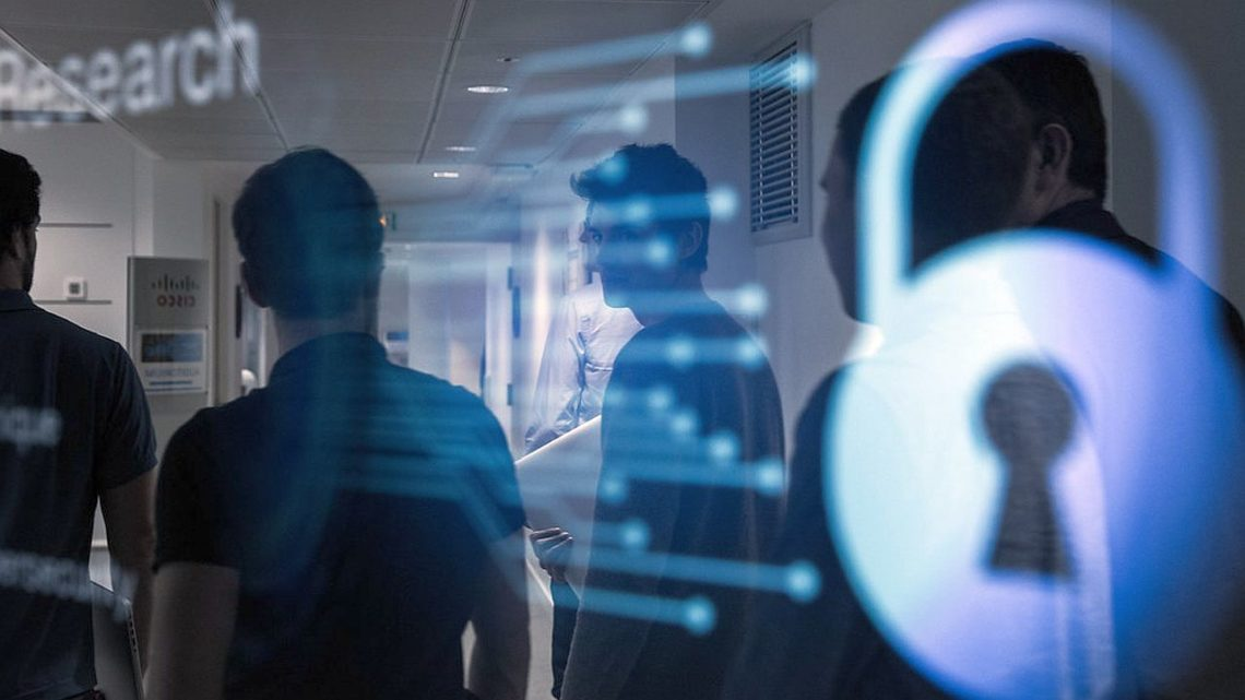 """""""CYBER. MIL zklasą"""". MON inwestuje wkształcenie specjalistów ds.cyberbezpieczeństwa"""