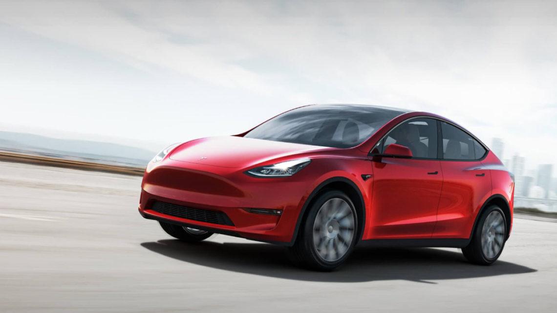 Tesla Model Y trafi dopierwszych użytkowników pół roku przedczasem