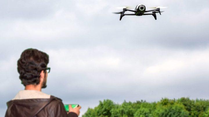 Nowe prawo dla dronów. Obowiązkowy egzamin dla pilotów każdego bezzałogowca, nawet tego zmarketu