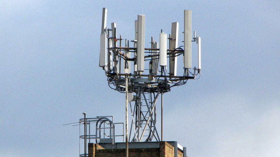 Play uruchamia komercyjnie sieć 5G