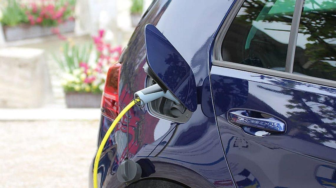 Polski samochód elektryczny jest projektowany przezTorino Design. Napoczątek hatchback iSUV