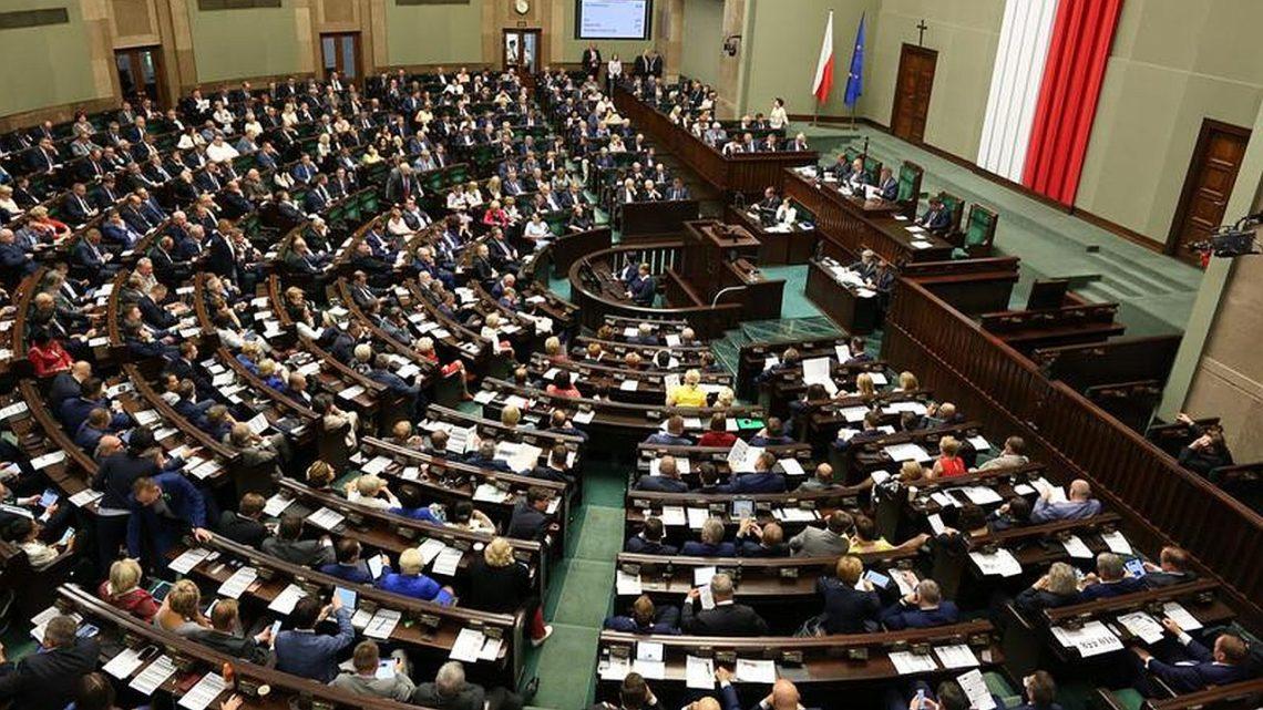 Sejm online zwrócił błąd 404. System dogłosowania przezsieć pełen błędów