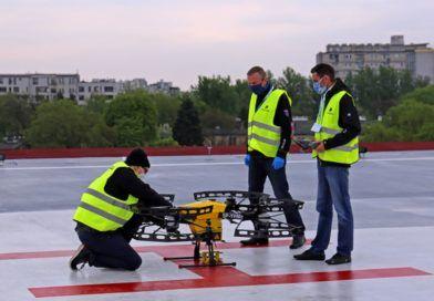 dron transportujący próbki doprzebadania nakoronawirusa