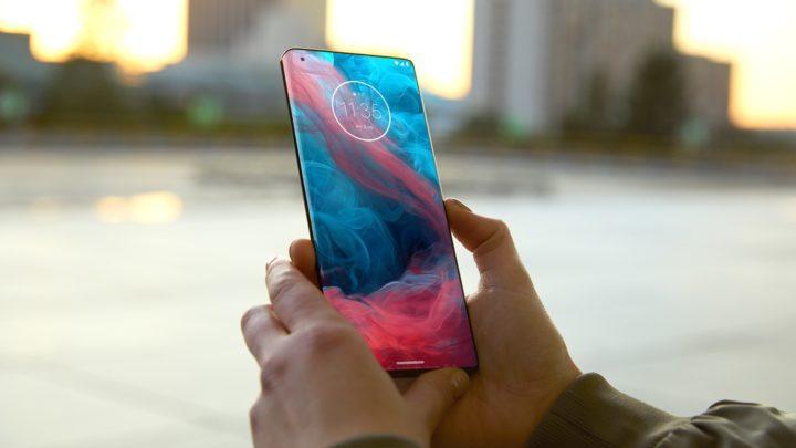 Motorola edge zmierza doPolski