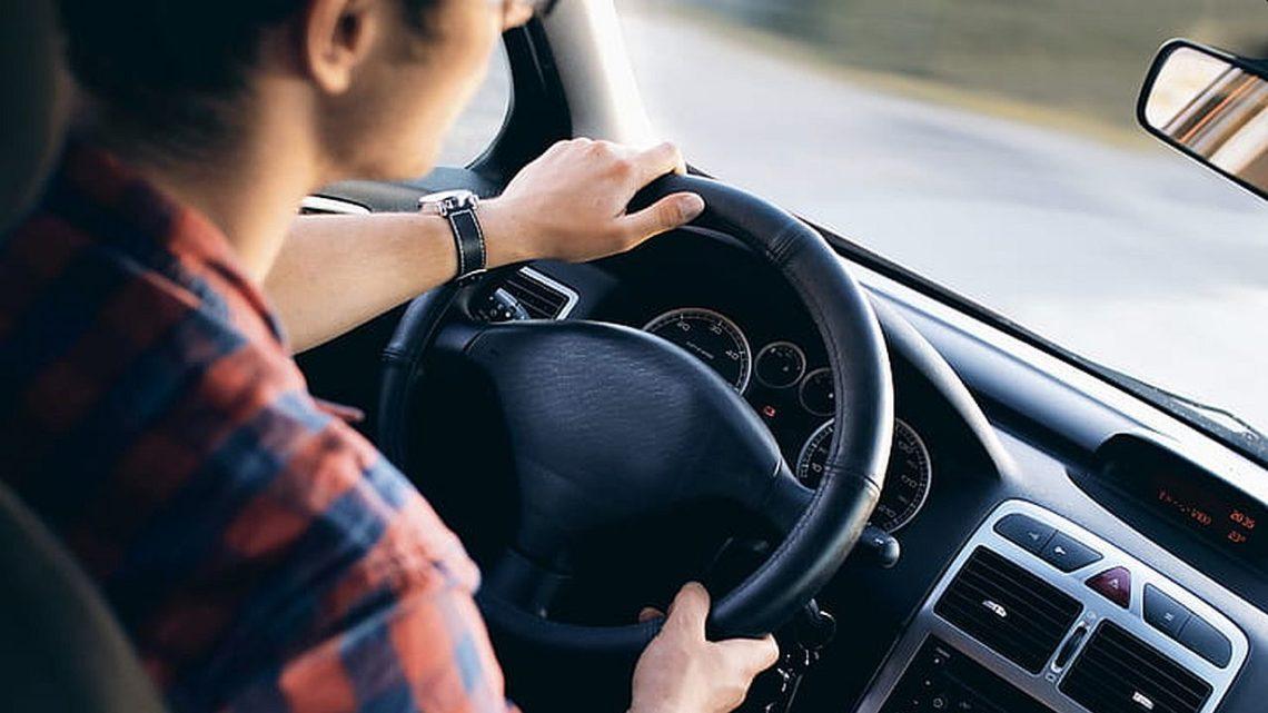 Prawo jazdy kategorii B znowymi uprawnieniami. Rząd szykuje się naauta elektryczne