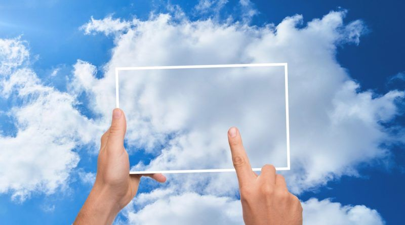 cloud computing chmura dłonie
