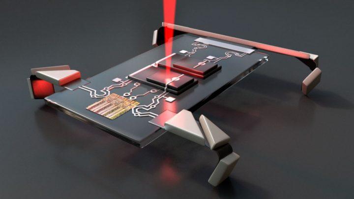 Mikroskopijne roboty wprawiane wruch laserem