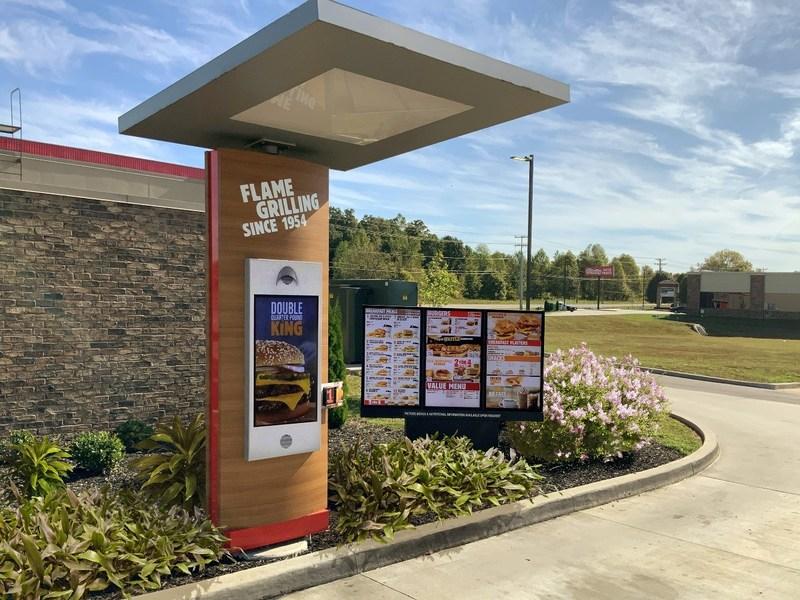 Burger King, Tim Hortons iPopeyes zmodernizują drive-thru wponad 10 000 restauracji wUSA dopołowy 2021 roku