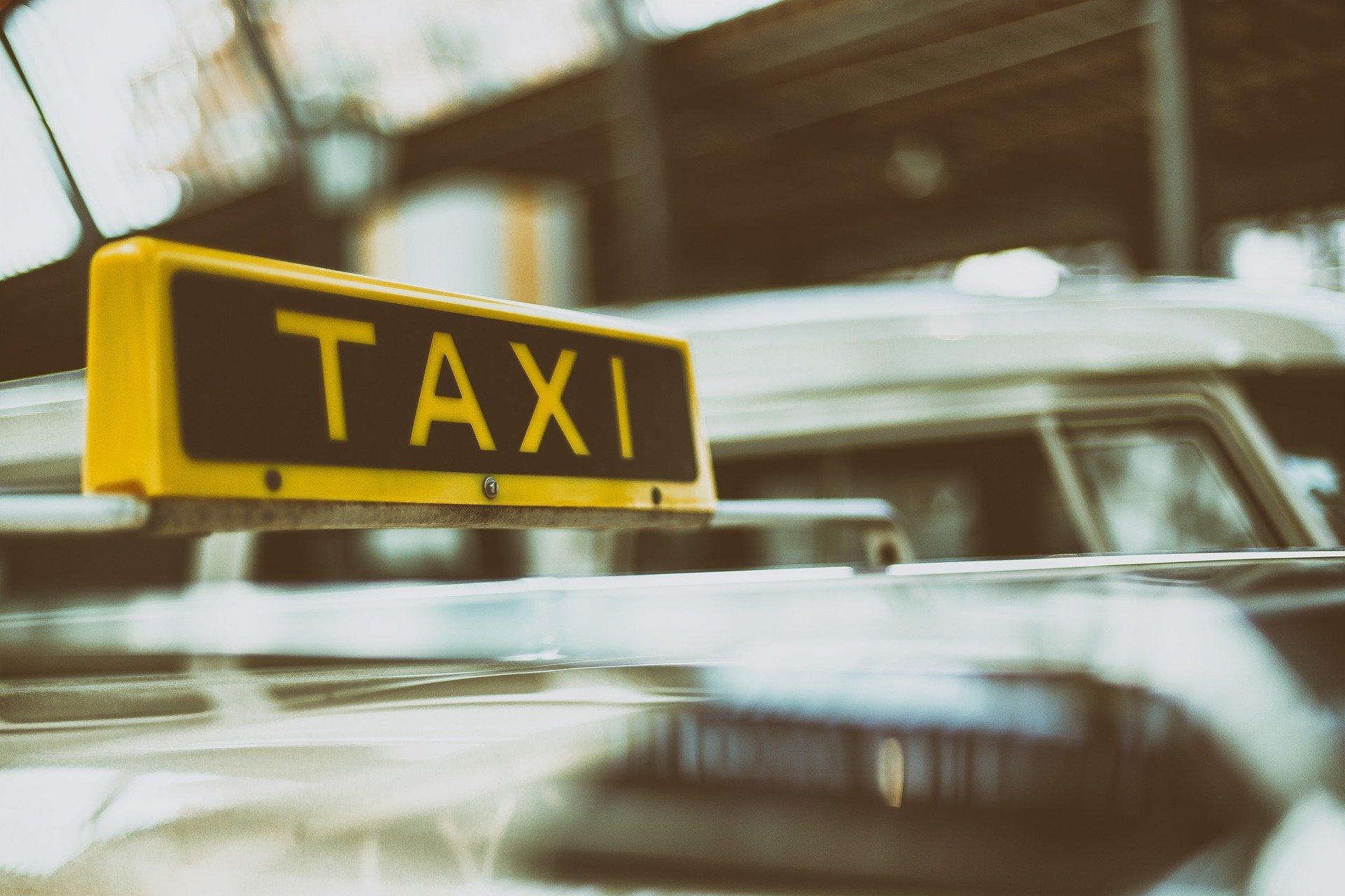 Uber i Bolt taxi LexUber