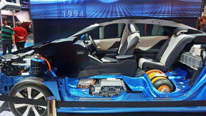 ZEPAK kupuje odNel Hydrogen pierwsze stacje tankowania wodorem samochodów osobowych iautobusów