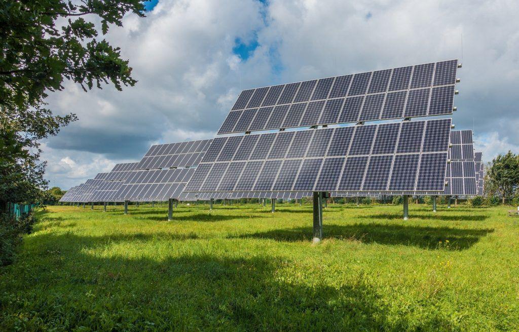 ZE PAK Nel Hydrogen pierwsze stacje tankowania wodorem panele fotowoltaiczne