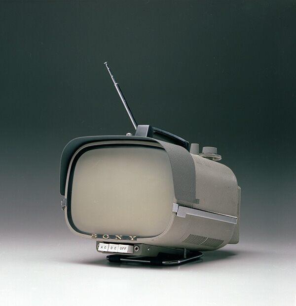 Sony historia 60 lat model TV8-301