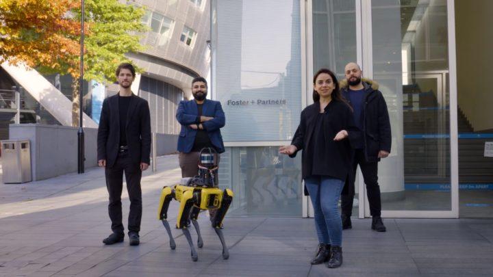 Robot Boston Dynamics Spot monitoruje duży plac budowy wLondynie