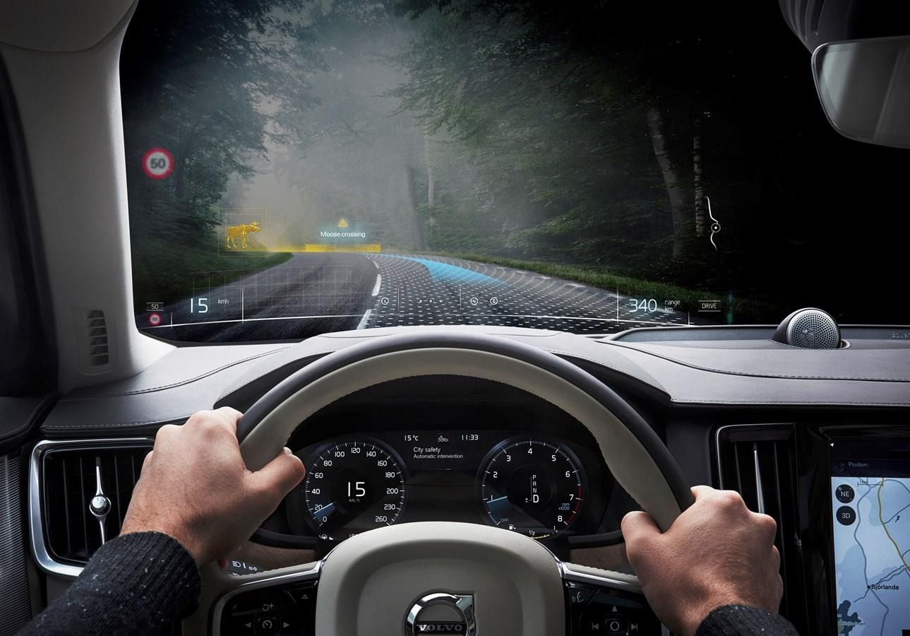 technologia-vr-volvo-varjo-teslasuit-unity-bezpieczniejsze-samochody