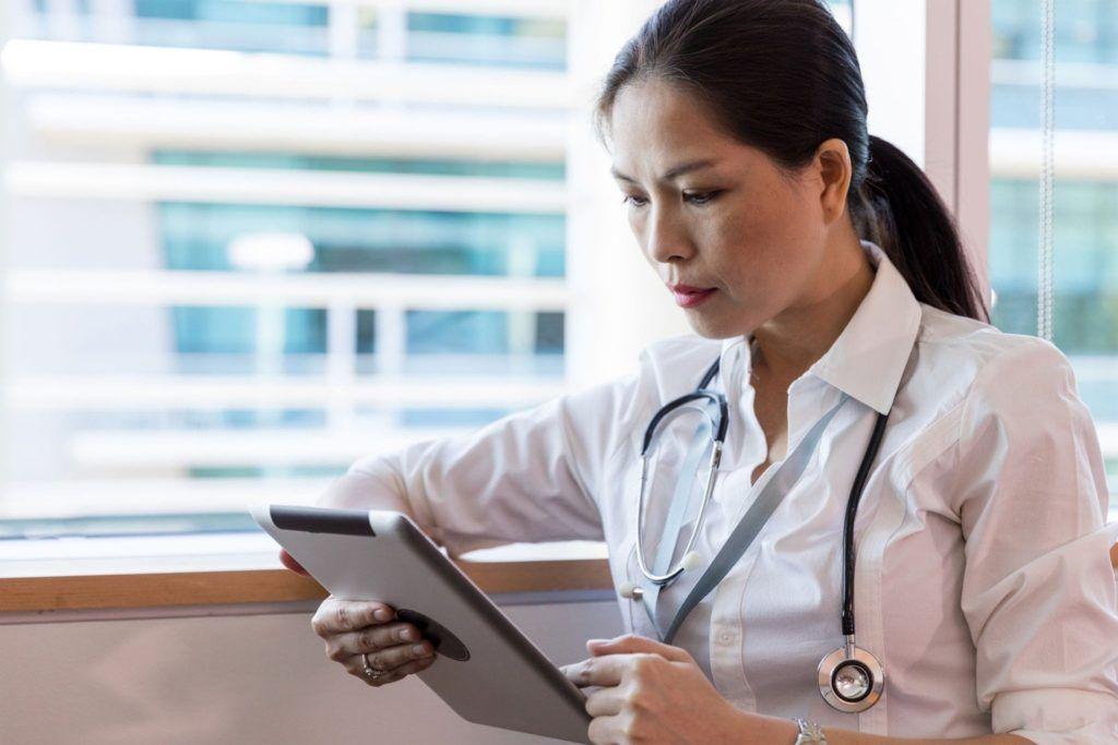 telemedycyna-ginekologia-lekarz-psycholog-prawnik