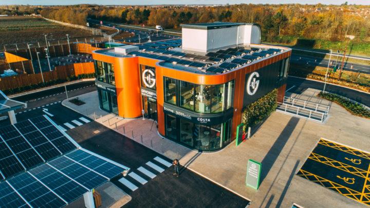 Gridserve – pierwsza wWielkiej Brytanii stacja ładowania samochodów całkowicie elektrycznych