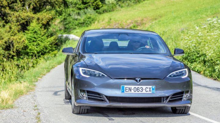 Tesla Full Self-Driving dostępna już napoczątku 2021 roku