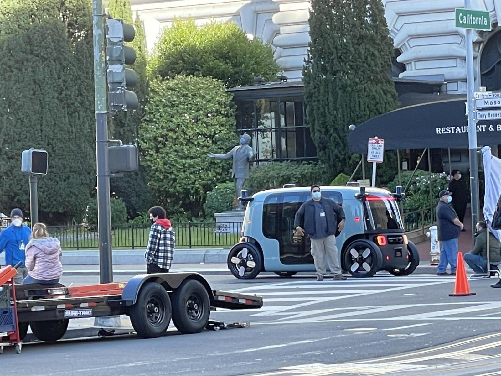 zoox-samochod-autonomiczny-amazon-san-francisco-fairmont