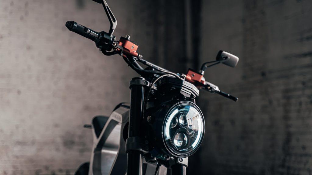 sondors-metacycle-oswietlenie