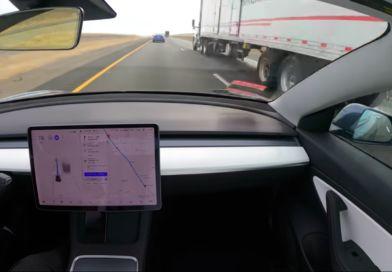 Tesla wtrybie autonomicznym