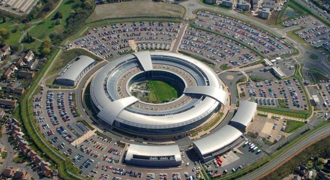 GCHQ użyje sztucznej inteligencji do zwalczania pedofilii