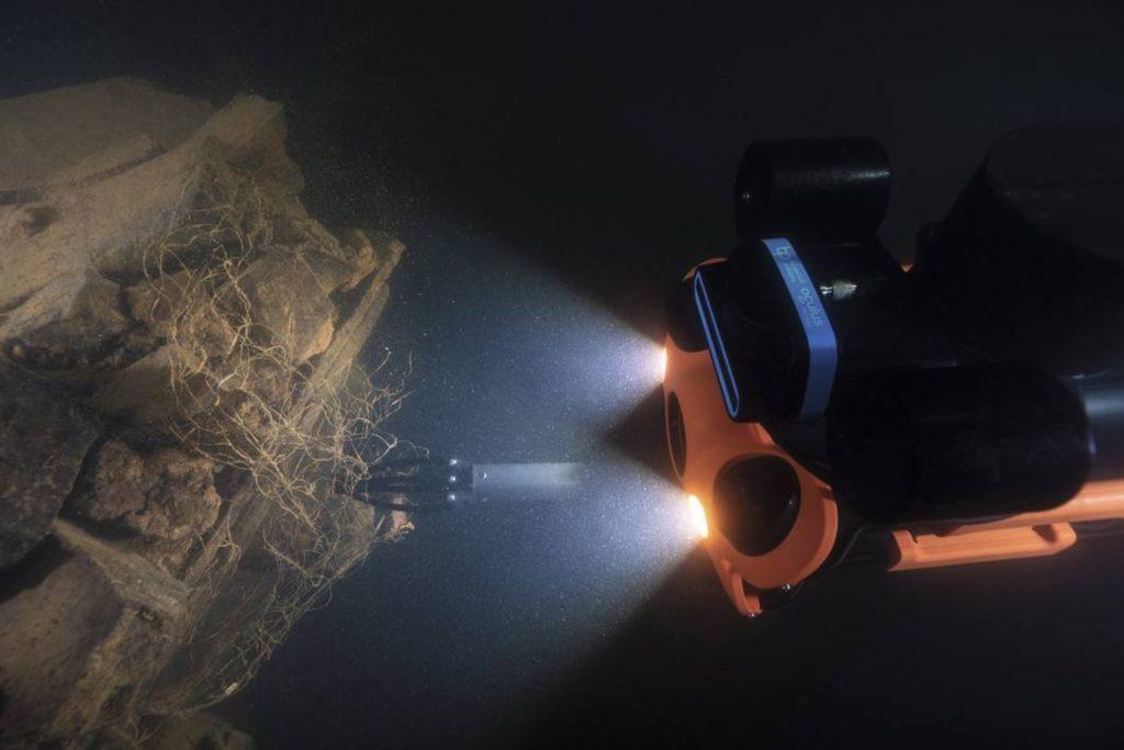 chasing-m2-pro-dron-podwodny-do-profesjonalnych-zastosowan-naprawa