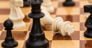 Sztuczna inteligencja YouTube blokuje kanał szachowy