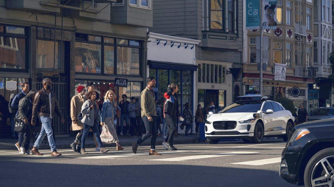 Autonomiczne taksówki Waymo One testowane naulicach San Francisco