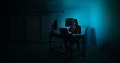 haker komputer