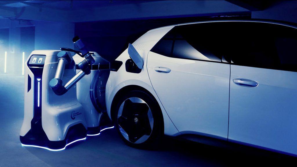 mobilny-robot-ladujacy-samochody-elektryczne-volkswagen-3