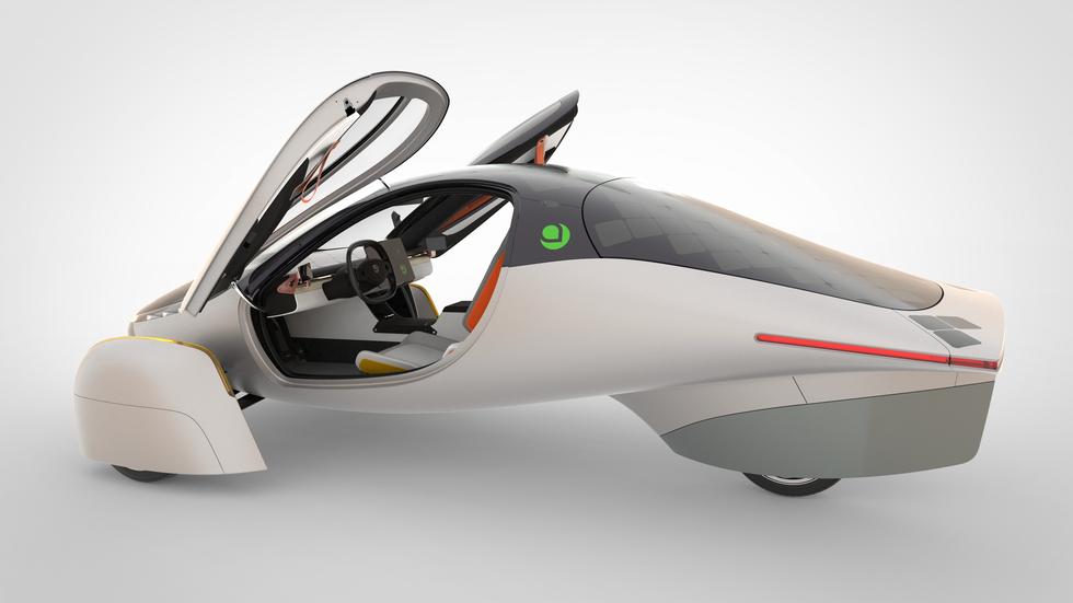 aptera-samochod-zasilany-energia-sloneczna-pierwszy-seryjnie-produkowany-10