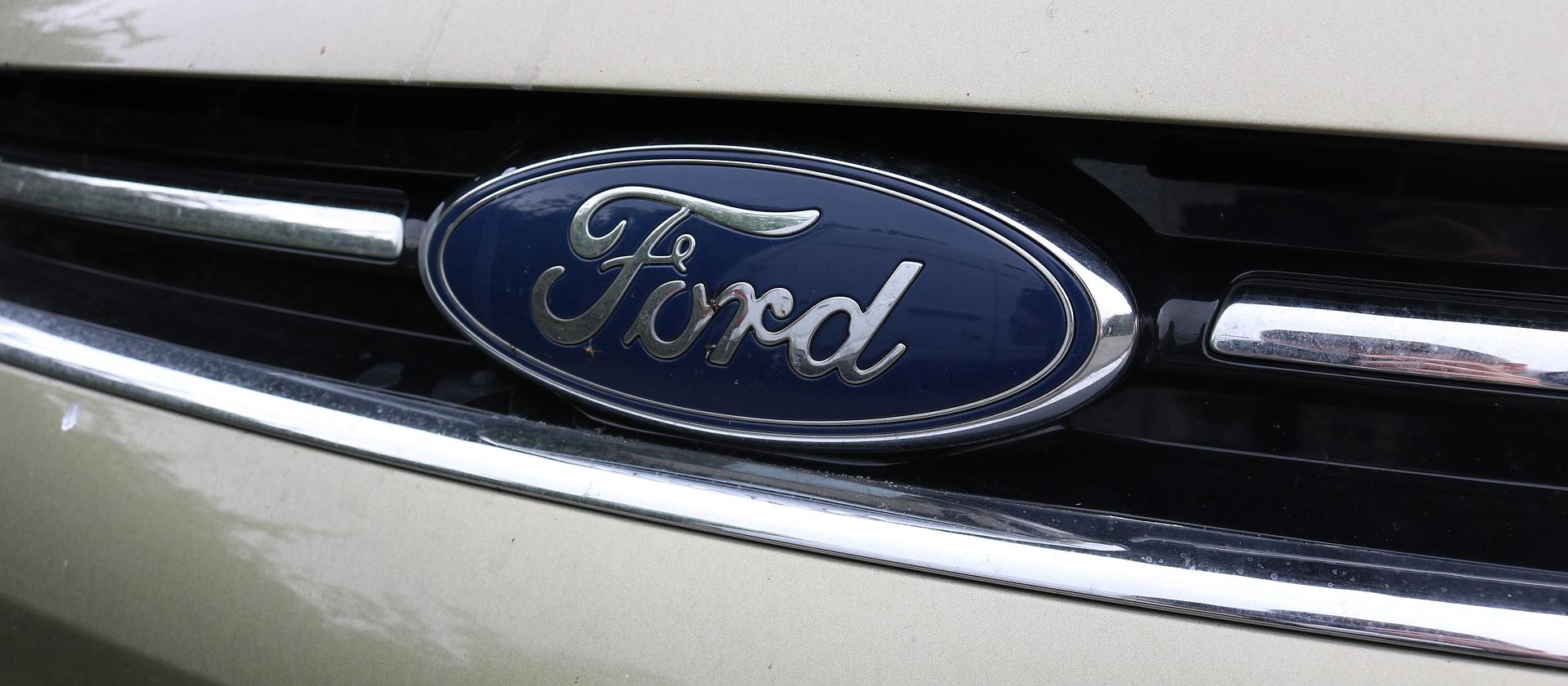 Z taśm Forda zjadą samochody bez komputerów