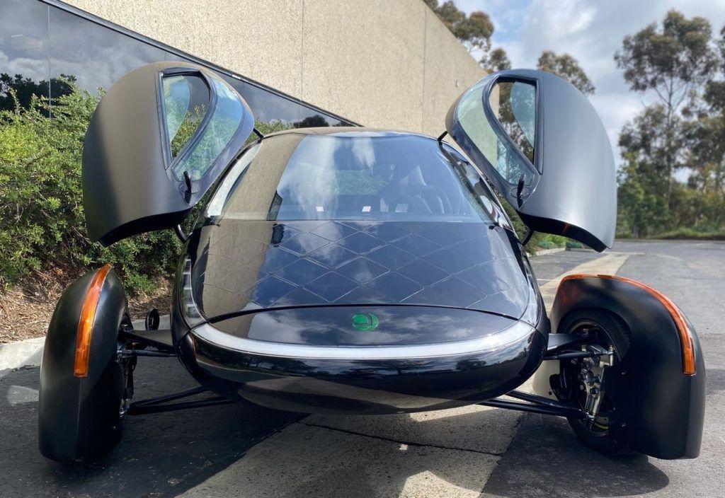 aptera samochod zasilany energia sloneczna pierwszy seryjnie produkowany 02