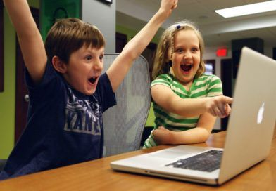 przystan-w-sieci-facebook-nasl-unicef-polska-pomoc-uczniom-bezpieczne-korzystanie-z-internetu-tytul