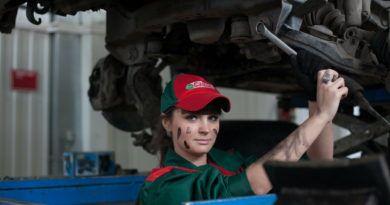 dziewczyna mechanik 16x9 1