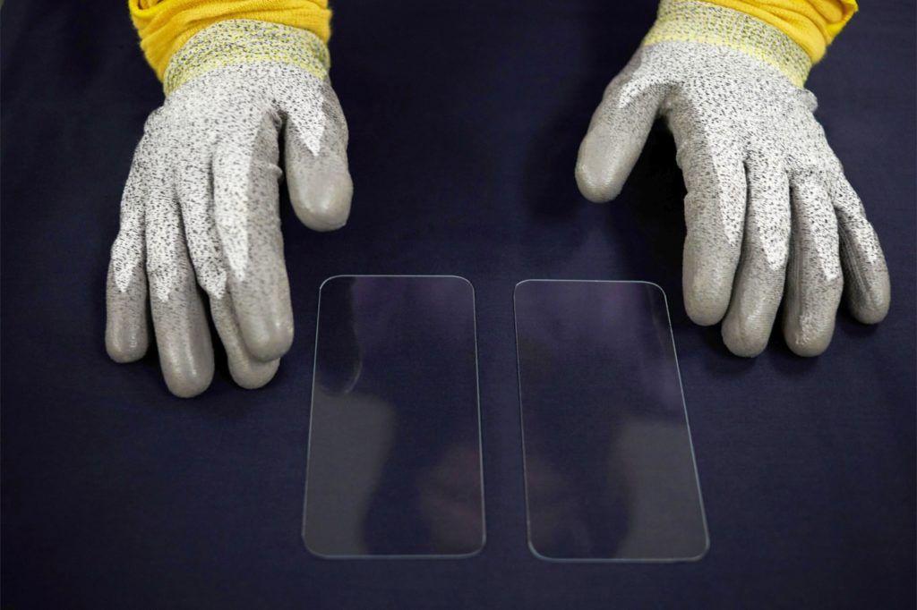 corning-gorilla-glass-apple-inwestycja-szklo-zginane - 5