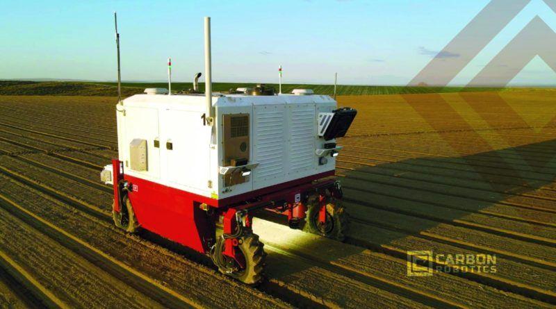 carbon-robotics-autonomiczne-roboty-wypalajace-chwasty-laser-duzej-mocy