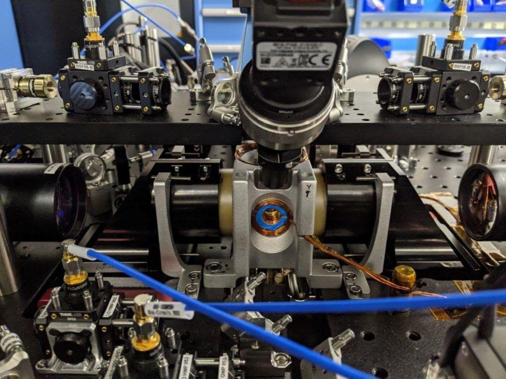 coldquanta-hilbert-100-kubitowy-procesor-atomy-chlodzenie-zero-bezwzgledne-całość