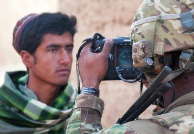 hiide-amerykanskie-wojskowe-urzadzenia-biometryczne-identyfikacja-talibowie-afganistan