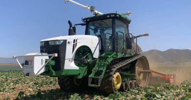 john-deere-bear-flag-robotics-kupno-autonomiczne-traktory-maszyny-rolnicze
