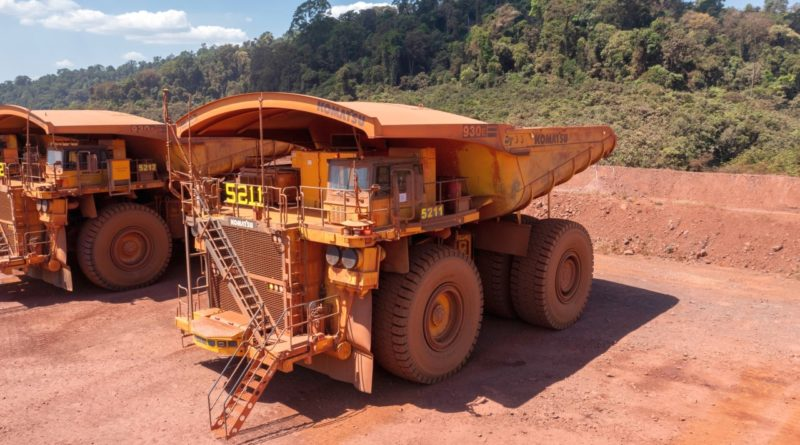 autonomiczne-ciezarowki-320-ton-kopalnia-zelaza-brazylia-carajas