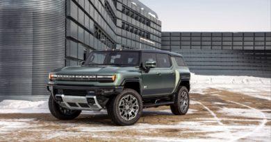general-motors-zawiesza-produkcje-samochodow-braki-ukladow-scalonych Chevrolet Silverado Electric