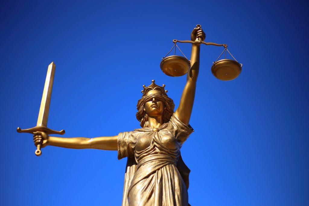 sprawiedliwość sąd wyrok zwolniona pracownica