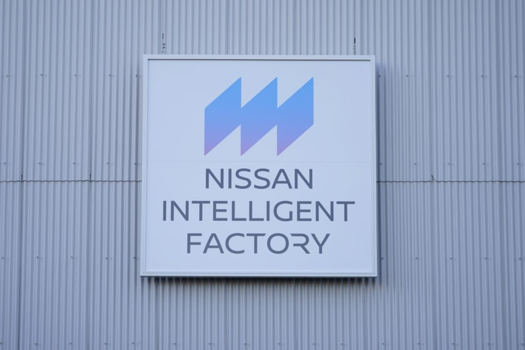 inteligentna-fabryka-nissana-intelligent-factory-17